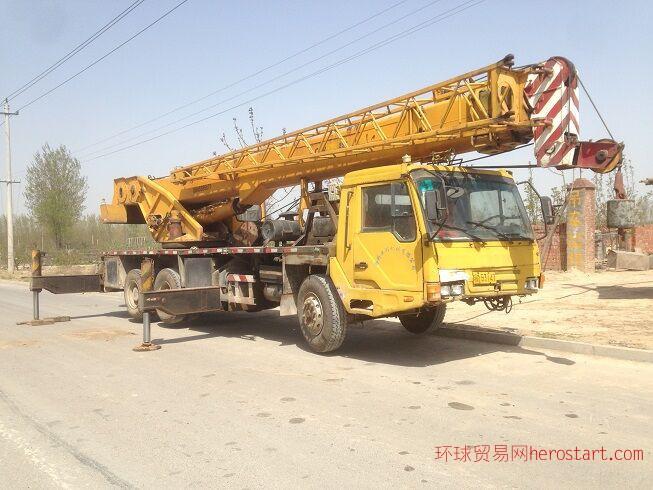 出售05年长江QYT25吨四节臂吊车