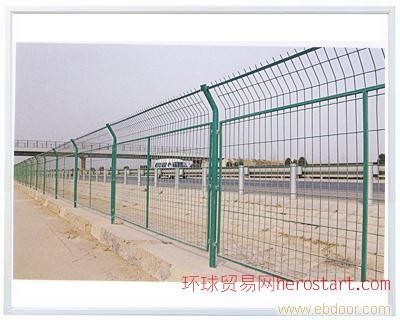 上海金属护栏网 防护网 围墙网 隔离栅