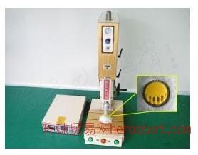 呼吸阀焊接机