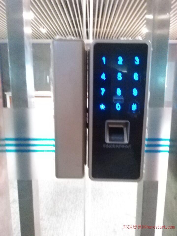 玻璃门指纹刷卡密码身份证卡一体锁