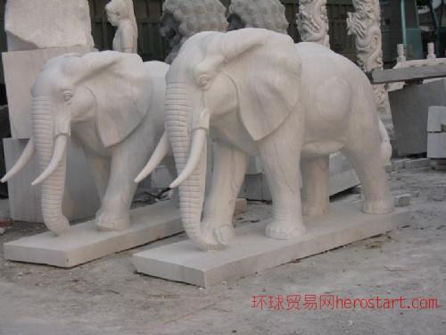 石雕大象,长颈鹿,熊猫,马牛羊雕塑