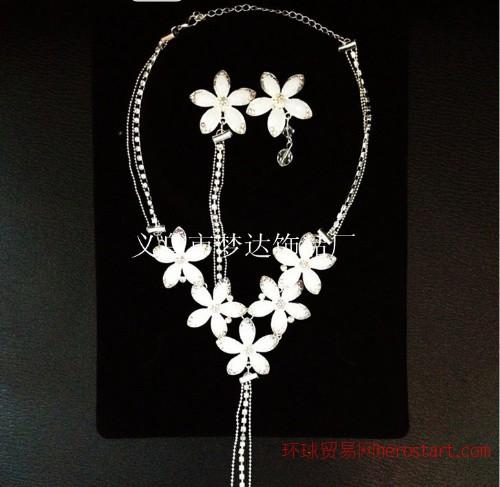 梦达饰品M-07花儿朵朵温婉流苏水钻两件套