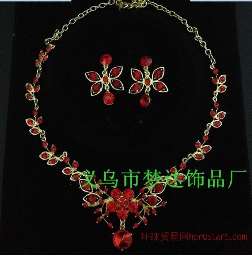 梦达饰品 M-15红色魅惑花朵水钻两件套