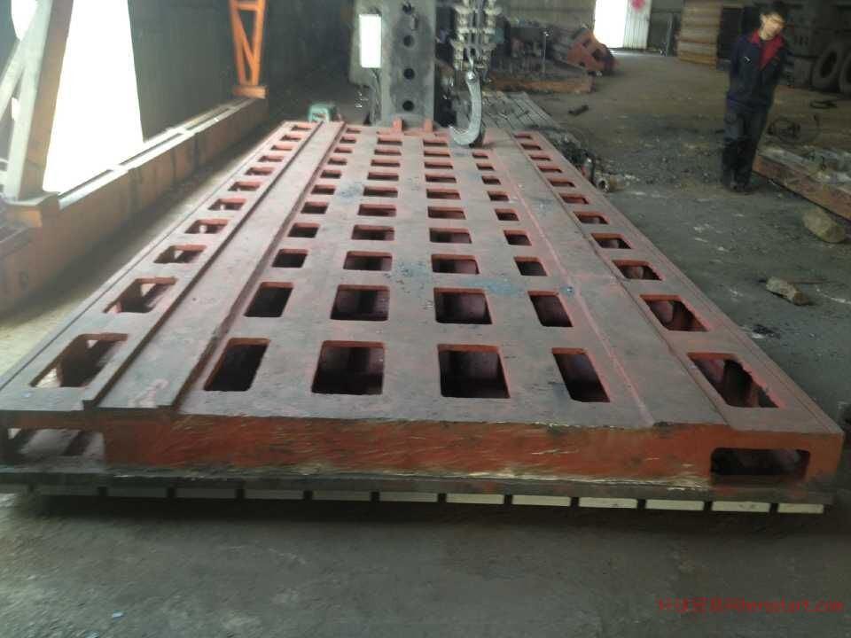 通越机床工作台的优点     泊头铸造厂家