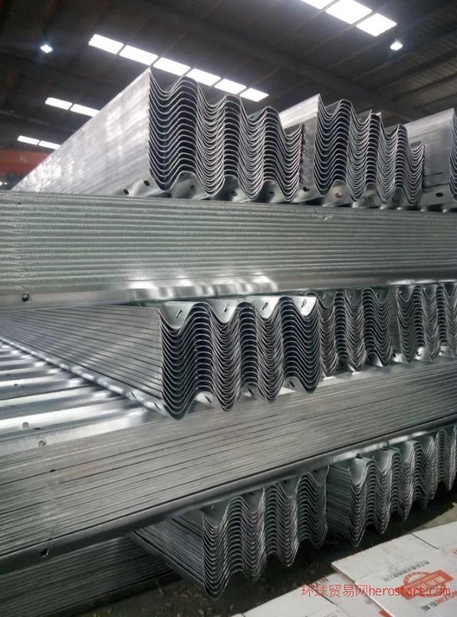 护栏板,波形护栏板,高速护栏板,护栏板生产厂家