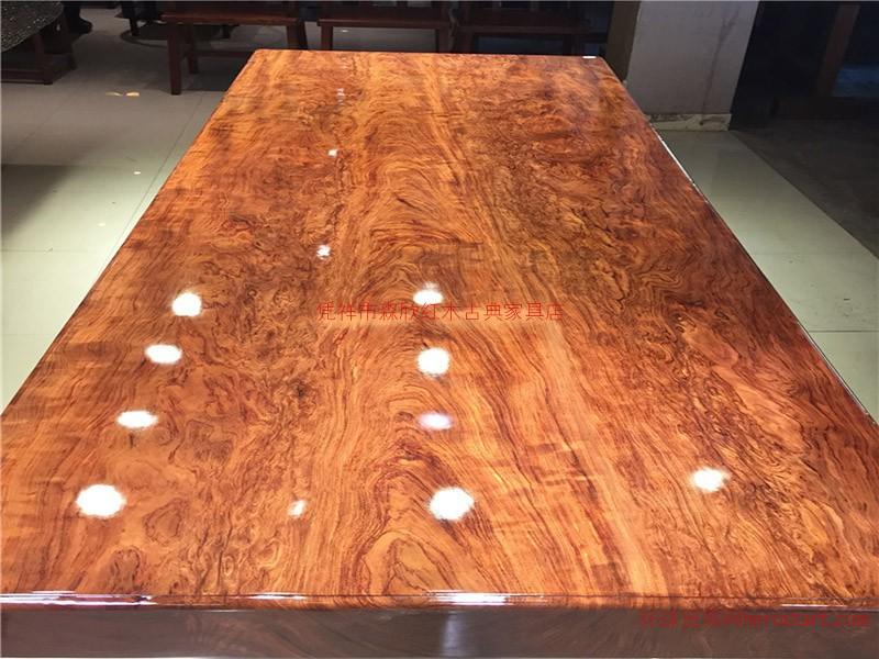 想要好的巴花实木大板就找森欣红木:凭祥巴花大板