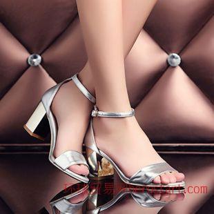 清倉高貴優雅品味外貿真皮女鞋 純色露趾包跟金屬粗跟搭扣涼鞋