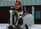 梧州驾驶式扫地车清扫厂区外道路