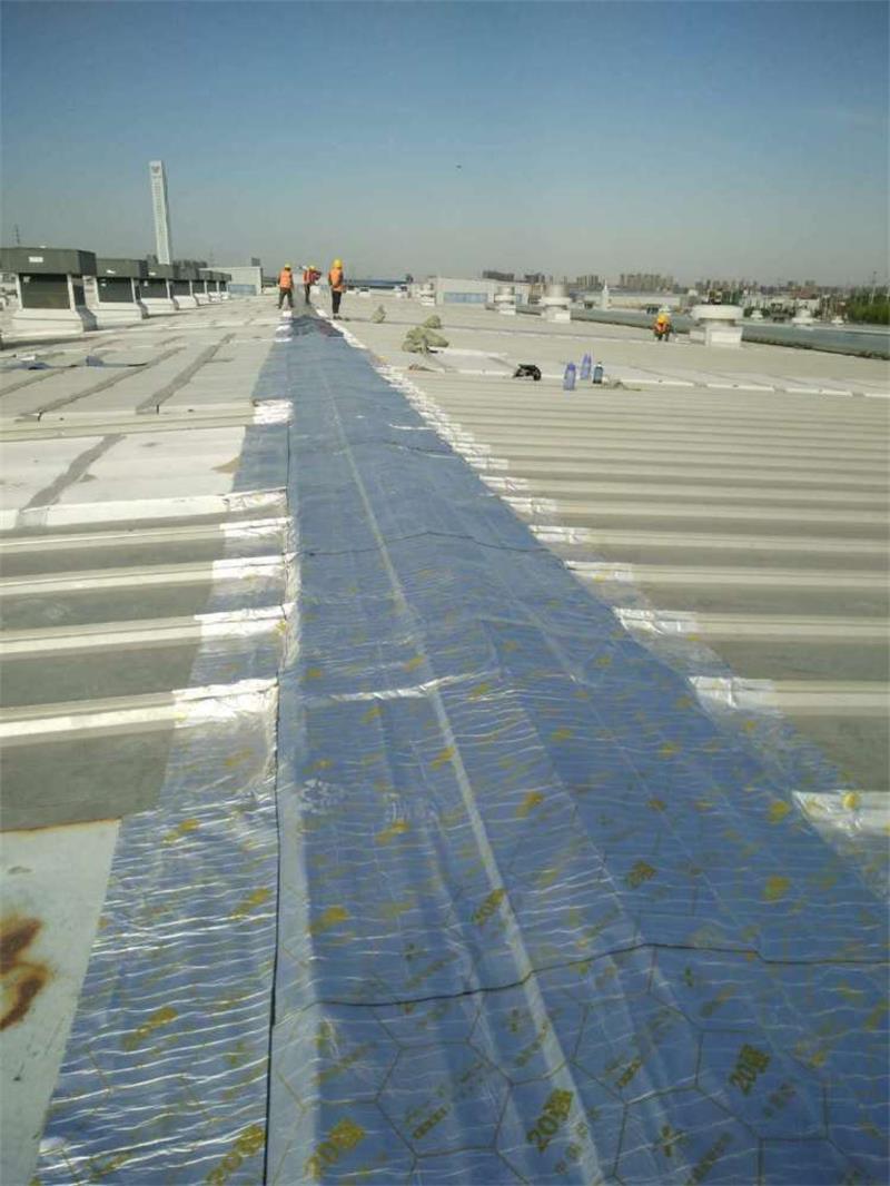 黑龙江天信金属屋面专用防水卷材创可贴式施工