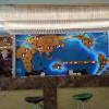 酒店大堂前台背景墙装饰参考案例 立体世界地图钟
