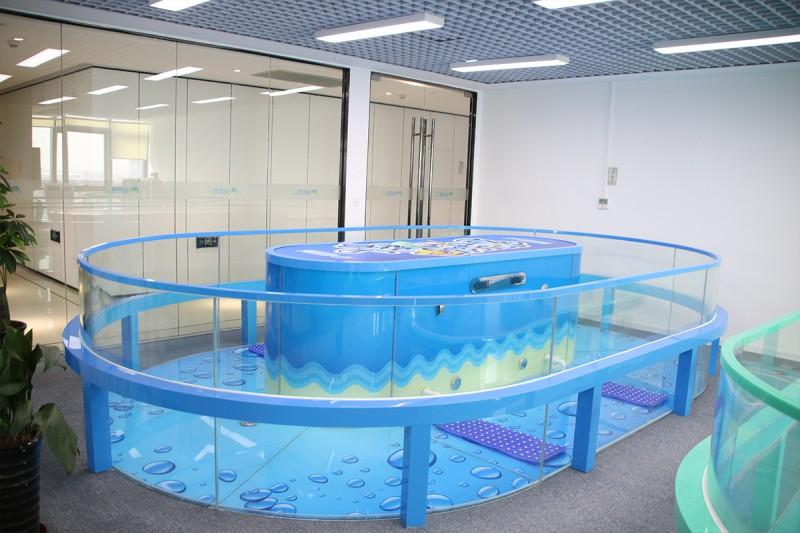 萌贝湾婴儿游泳馆设备加盟全国婴儿游泳馆钢化玻璃游泳池设备厂家
