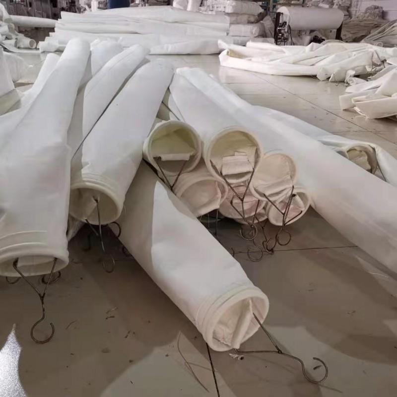 冶炼厂专用大化纤除尘布袋168*6米天林制作