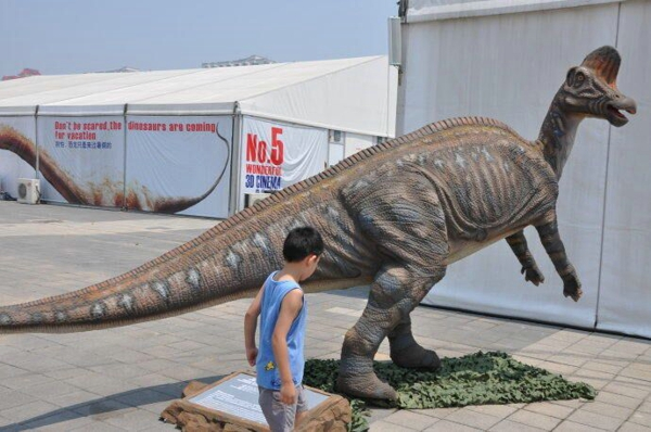 扫码启动恐龙跑跑车仿真恐龙厂家供应