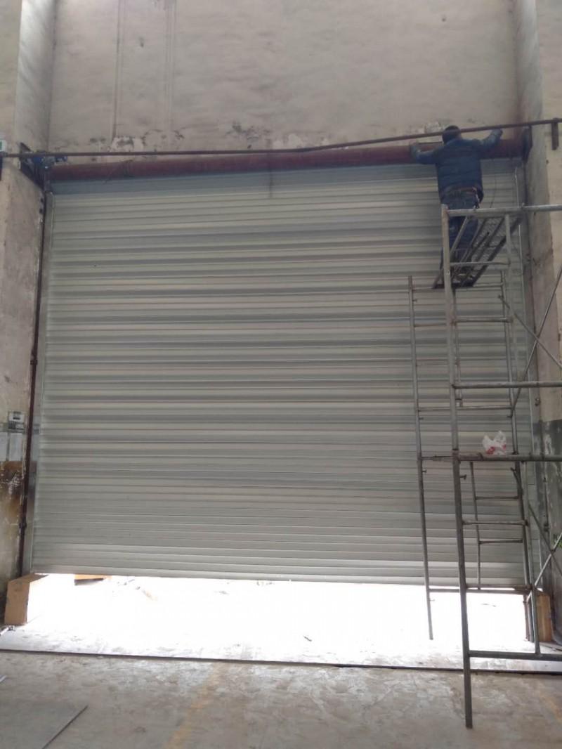 上海嘉定区卷帘门维修 更换电机 商铺水晶门安装