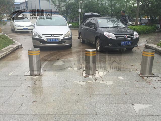 武汉不锈钢阻车路桩 武昌升降路桩批发 钢精灵升降路桩