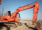 挖掘机出租 南宁附近那里有做勾机出租的 破碎机出租价格