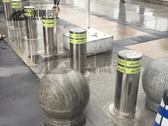 武汉钢精灵升降路桩 学校阻车桩 预埋式可移动路桩