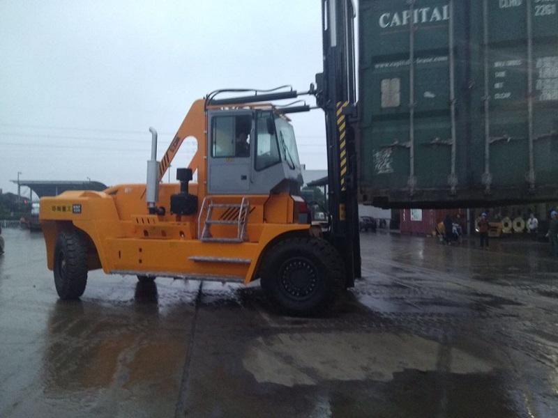 30吨集装箱叉车厂家型号HNF300供应价格
