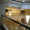 一款铜艺楼梯扶手装饰防护两全其美