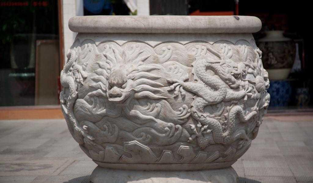 精雕细琢 栩栩如生 品质卓越 价格低廉孟华石木雕刻的