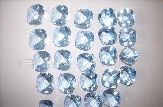 厂家供应幸运石牌人造宝石,水晶玻璃 高仿施华络系列产品