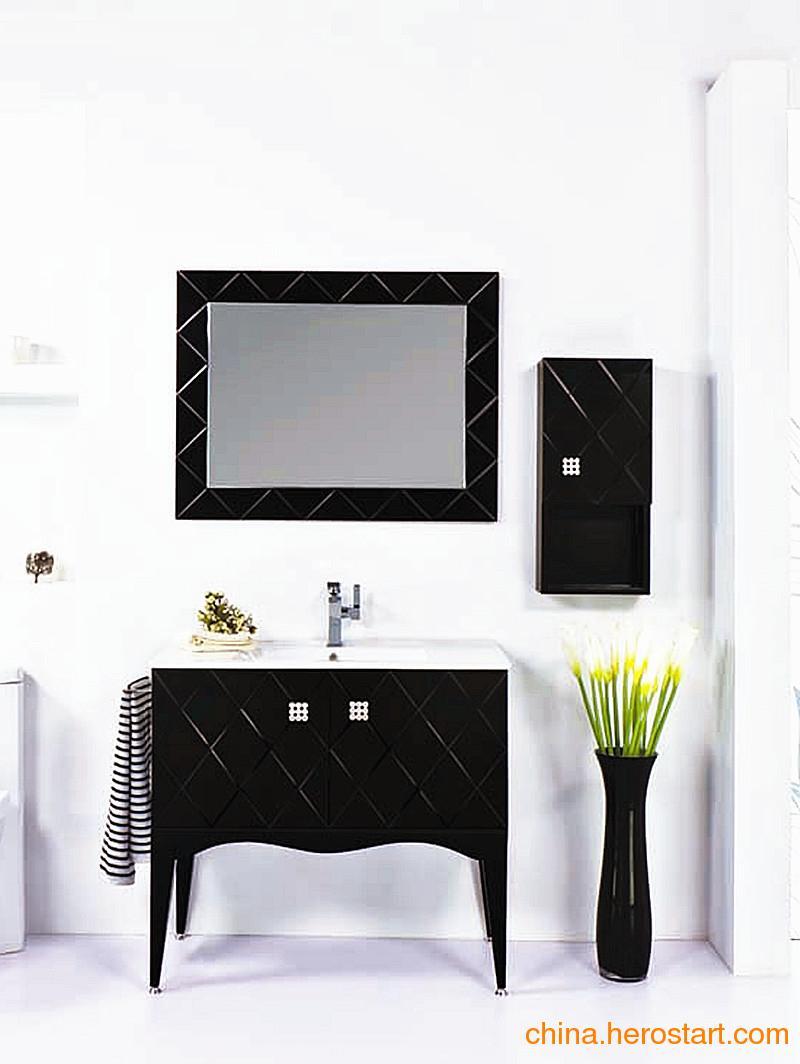 供应佛山卫浴昊沃黑色木框浴室镜柜H91204