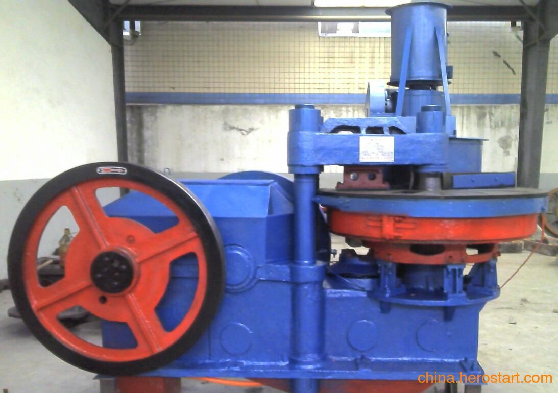 供应批发YZP160--200型八孔盘转式压砖机