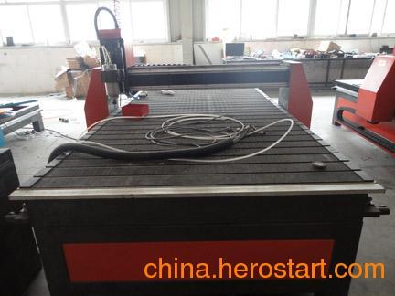 供应陕西木工雕刻机生产雕刻机价格最低