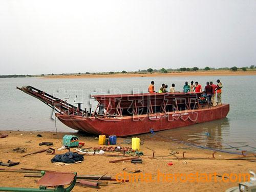 供应小型运砂船