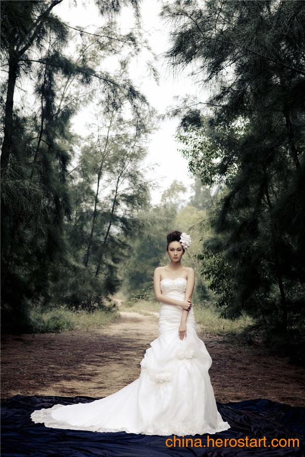 供应深圳婚纱礼服——诺百丽婚纱礼服