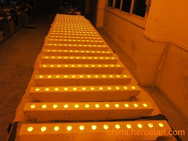 供应12颗全彩帕灯 2.4G无线信号 电池LED洗墙灯 别墅染色装饰 四合一