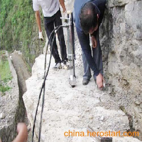 供应东莞设备矿山开采液压分裂机