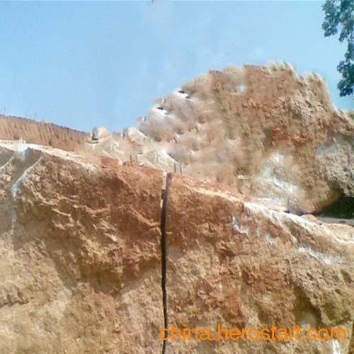 供应提供矿山石材开采液压分裂机液压劈裂机厂家