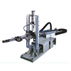 供应代替人力的中型注塑机械手