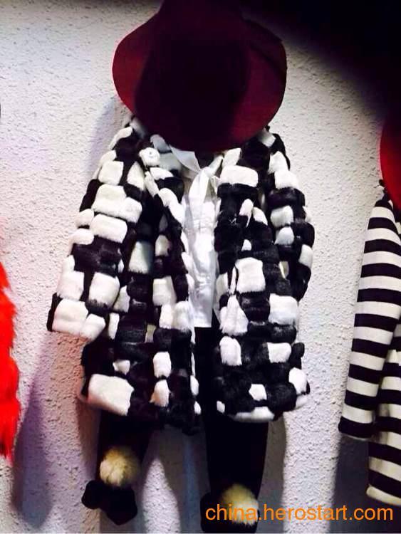 供应玛尼玛卡童装品牌货源批发广州的纯服饰有限公司