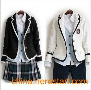 供应韩版运动短袖套装