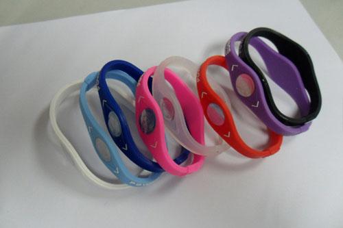 供应新款硅胶手环 热销能量手环 手腕带 手环