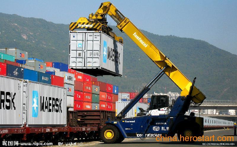供应辽宁到栖霞铁粉,玻璃,食品,饮料,日用品,调味品,饲料,纸张,木材海运运输