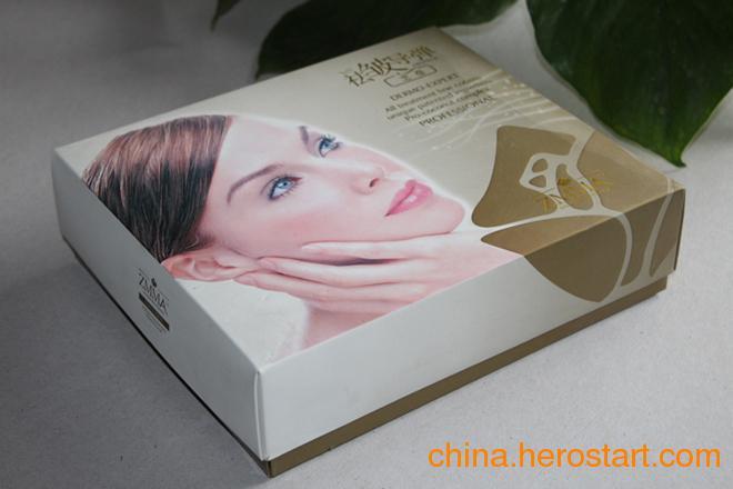 供应化妆品包装、包装礼品盒、首饰盒、酒盒、纸制包装盒等