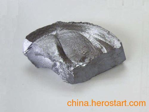 供应面向全国高价回收多晶硅、多晶硅边皮料