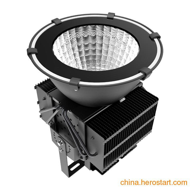 供应LED工矿灯500w天棚灯LED投射灯球场照明灯
