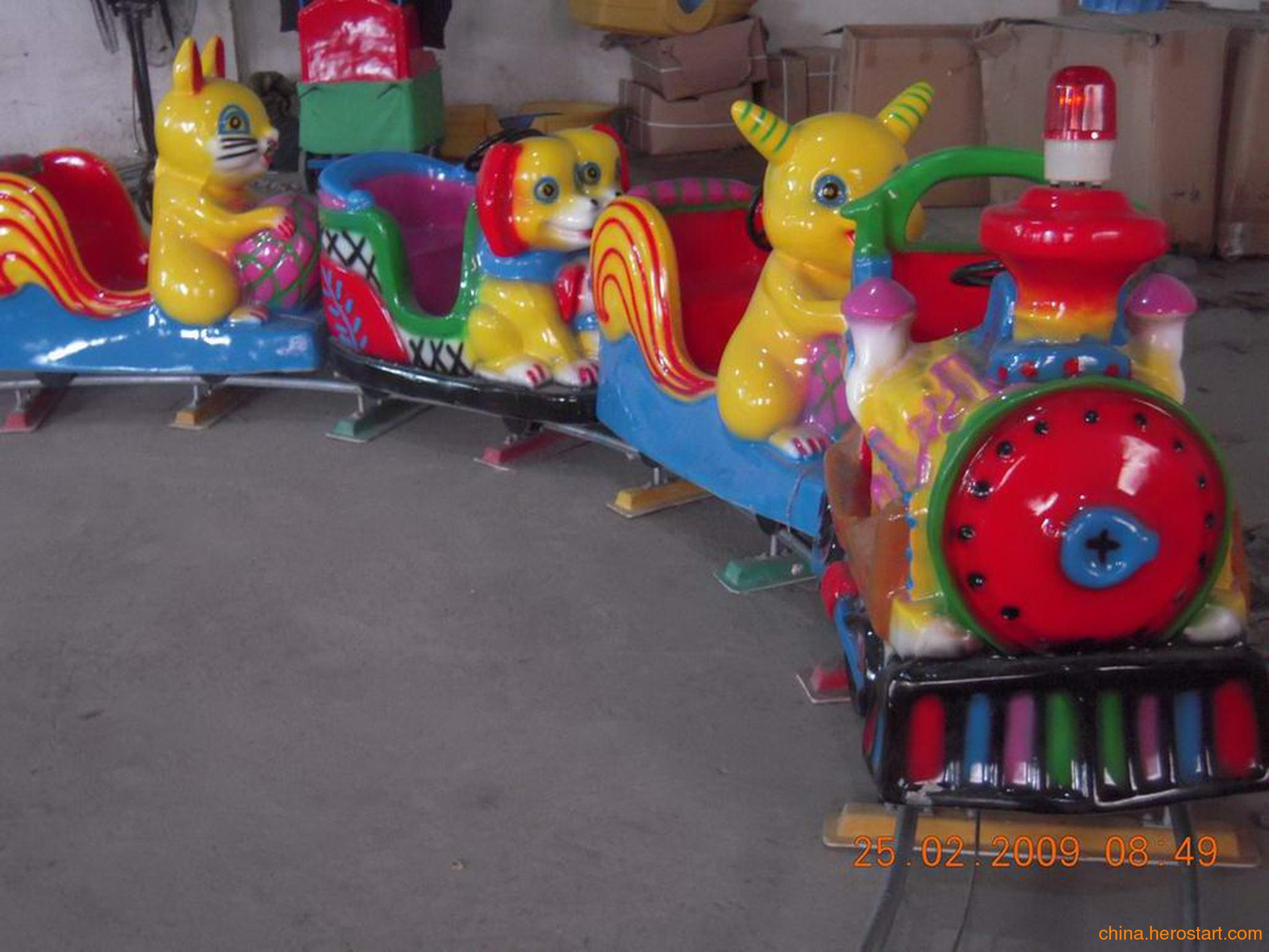 供应儿童玻璃钢加厚小火车价格