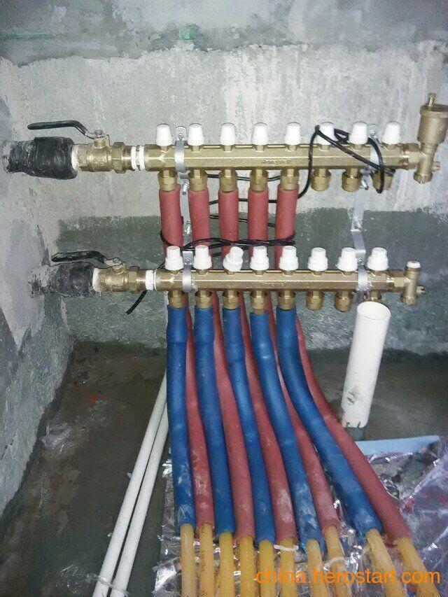 供应分集水器是地板采暖系统的关键装置