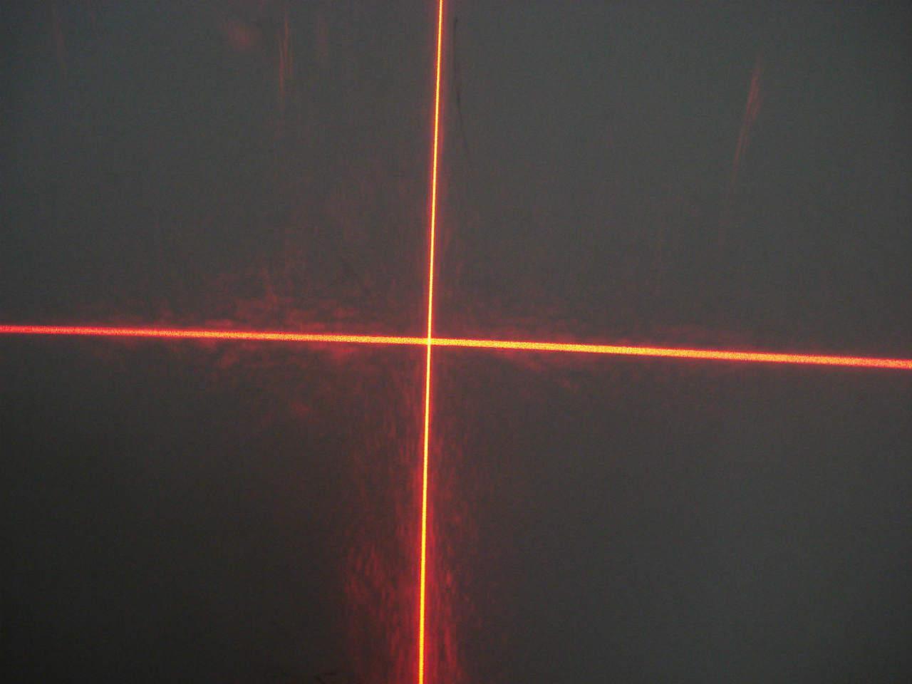 供应十字镭射灯