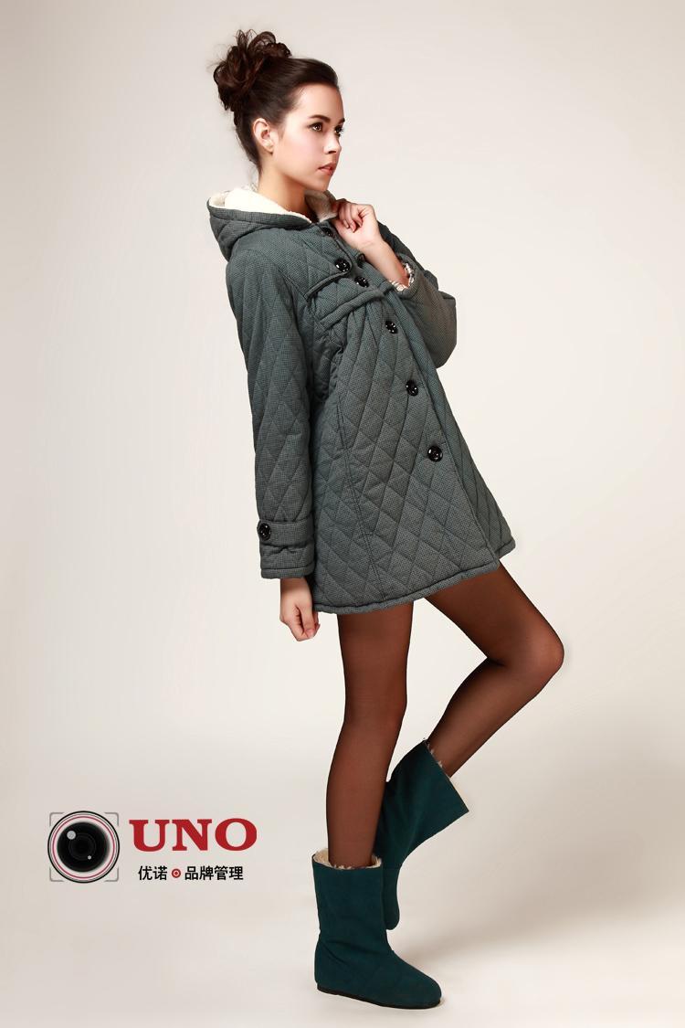 供应2011画册服装模特内摄影  女装拍摄 孕妇装精品拍摄