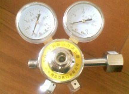 供应 YQ(F)-1型两级压力调节器