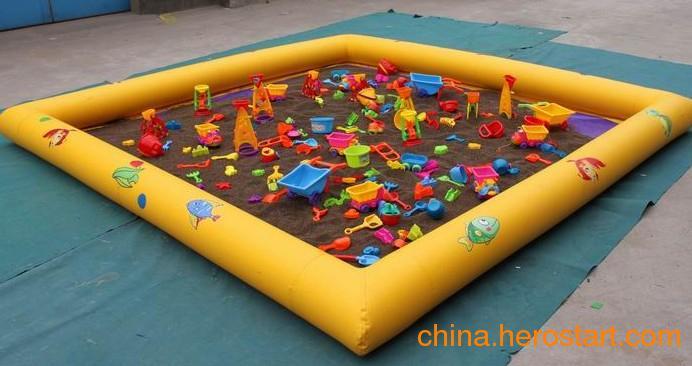 供应儿童充气水池热销充气沙池趣味沙池玩具河滩池伊甸园