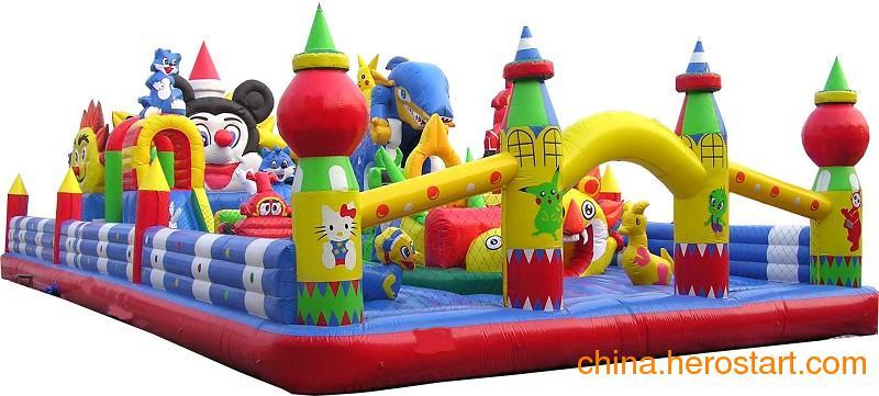 供应大型充气玩具 三维太空环 轨道小火车 充气城堡