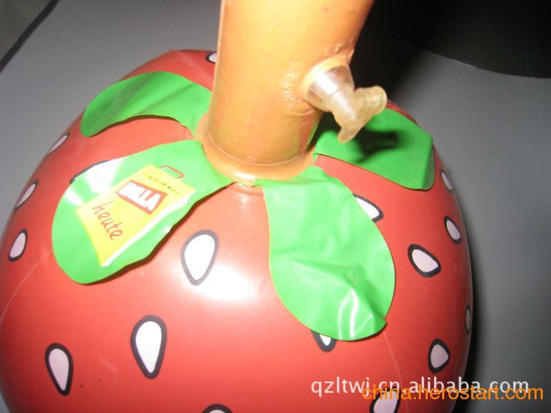 供应PVC充气玩具  水果充气玩具 草莓玩具