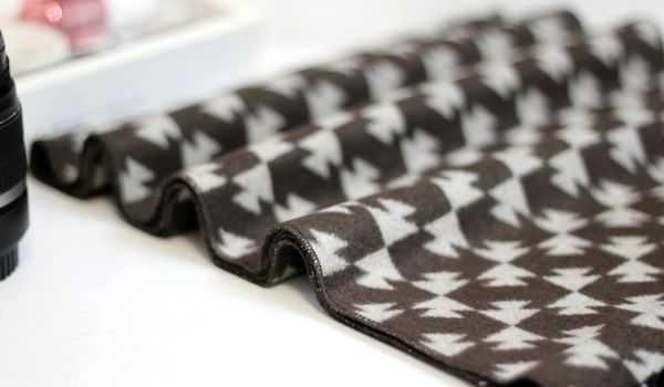 2012新款桑蚕丝拉绒围巾 一条也可以批发